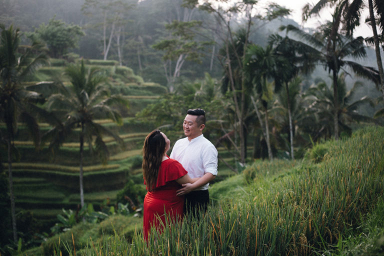 smile engagement photo shoot rice terraces ubud